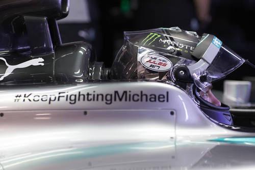 Mercedes sigue recordando en sus coches a Michael Schumacher