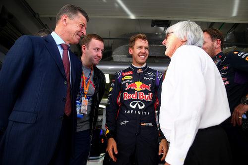 Bernie Ecclestone visita a Sebastian Vettel