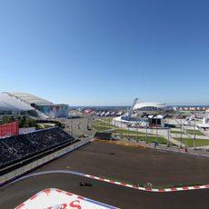 Vista aérea del Toro Rosso de Jean-Eric Vergne en Sochi