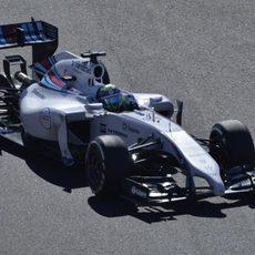 Felipe Massa pierde la potencia de su coche durante la clasificación