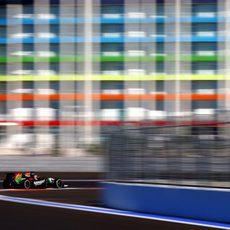 Nico Hülkenberg exprimiendo el coche para superar la penalización de cinco posiciones