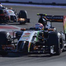 Sergio Pérez se queda a una décima de su compañero de equipo