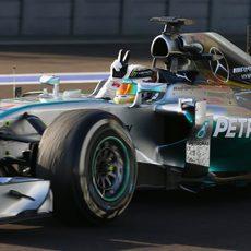 Lewis Hamilton gana su novena carrera en esta temporada
