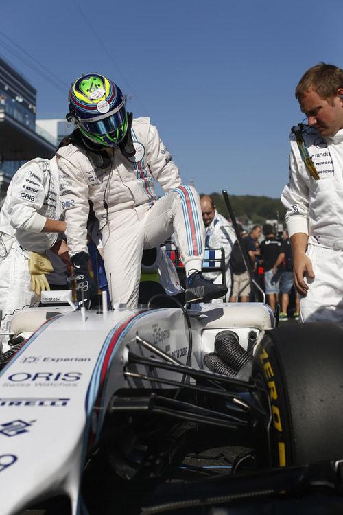 Felipe Massa salía muy atrás y tenía que remontar