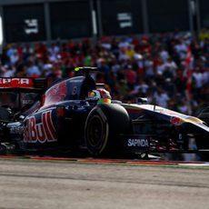 Daniil Kvyat termina fuera de los puntos