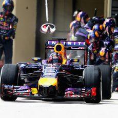 Buena estrategia en boxes del equipo Red Bull con Sebastian Vettel