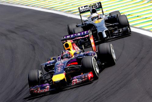 Kevin Magnussen luchó con los Red Bull al inicio de la carrera