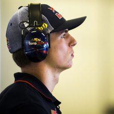 Max Verstappen en el box de Toro Rosso