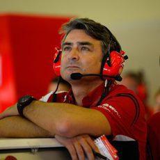 Marco Mattiacci en el box de Ferrari en Abu Dabi