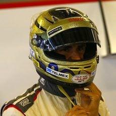 Adrian Sutil ha cedido su asiento en la primera sesión a Adderly Fong