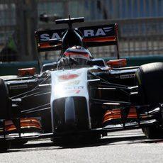Nico Hülkenberg confía en mejorar el coche para mañana
