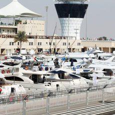 Muchos barcos para ver el Gran Premio de Abu Dabi
