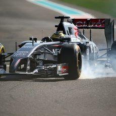 Adrian Sutil con problemas durante la clasificación