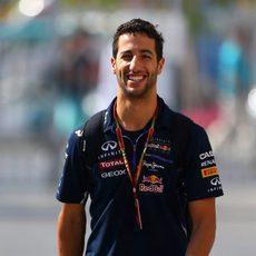 Daniel Ricciardo llegando al circuito