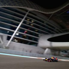 Daniel Ricciardo probando diferentes configuraciones