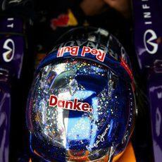 Detalle del casco de Sebastian Vettel en Abu Dabi