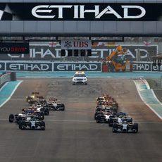 Salida del GP de Abu Dabi 2014