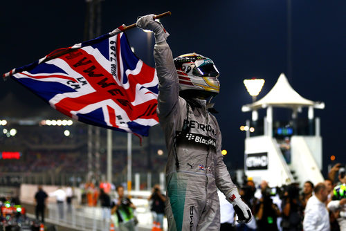 Lewis Hamilton celebra su segundo Mundial