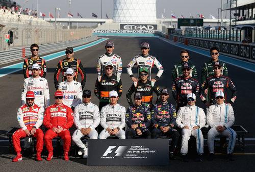 Foto de grupo de todos los pilotos al terminar la temporada