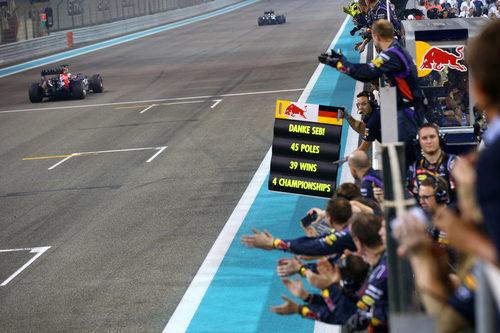 El equipo ha arropado a Sebastian Vettel