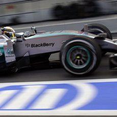 Una de las pocas fotos de Lewis Hamilton