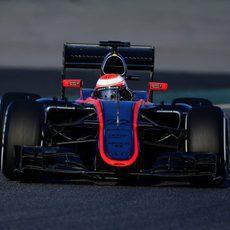 Jenson Button rueda con neumáticos medios