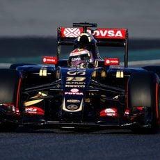 Pastor Maldonado continua el programa de trabajo con el E23
