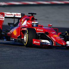 Kimi Räikkönen marca su mejor tiempo con neumáticos blandos