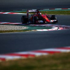 Kimi Räikkönen explora los límites del SF15-T