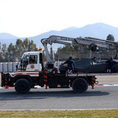El C34 es retirado de la pista tras el accidente