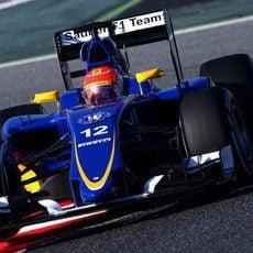 Felipe Nasr rodando el primer día de test