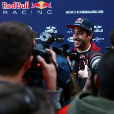 Daniel Ricciardo atendiendo a la prensa