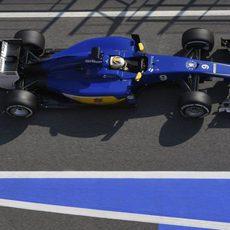 Marcus Ericsson en la calle de boxes