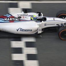 Felipe Massa en la recta principal de Montmeló