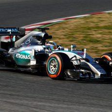 Lewis Hamilton sustituye a Rosberg en el segundo día