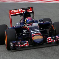 Max Verstappen maneja su STR10 en pretemporada