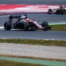 Jenson Button prueba sus tiempos con neumáticos medios