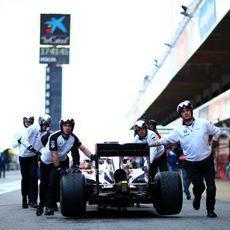 Jenson Button apenas puede rodar con su MP4-30