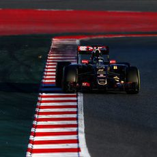 Romain Grosjean ataca los bordillos