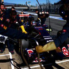 Carlos Sainz se prepara para volver al box de Toro Rosso