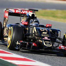 Romain Grosjean supera las 100 vueltas en su último día de test