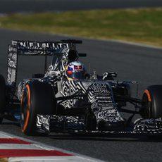 Daniel Ricciardo buscando mejorar la fiabilidad del RB11