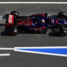 Carlos Sainz sale con el neumático duro