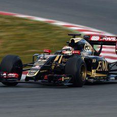 Pastor Maldonado rueda con el E23