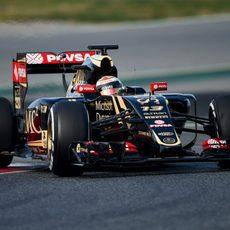 Pastor Maldonado continua trabajando al volante de su Lotus