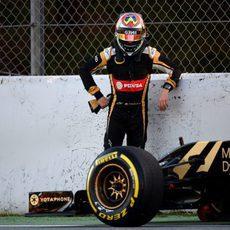 Problemas con el E23 obligan a Maldonado a bajar del monoplaza