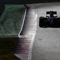 Pastor Maldonado aprovecha su tiempo en pista
