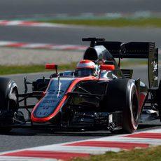 Jenson Button completa más de 100 vueltas