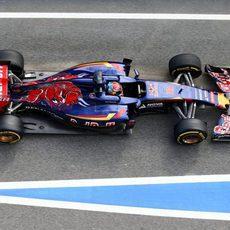 Max Verstappen sufriendo algunos problemas en la última jornada de test