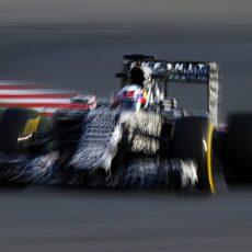 Daniel Ricciardo mejora sus tiempos con neumáticos blandos